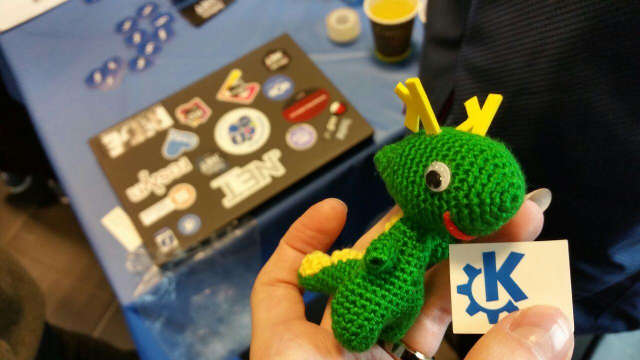 Tiny cute KDE Dragon Konqui